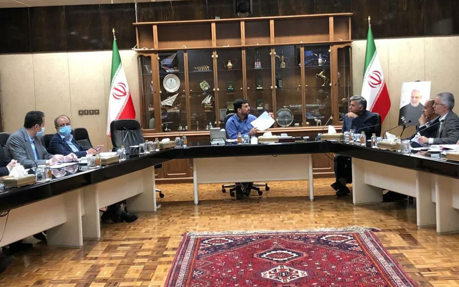 Photo of تاکید سرپرست وزارت صمت بر تامین مواد اولیه و توسعه صادرات در دیدار مسئولین ذوب آهن