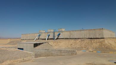 تصویر بهره برداری از مخزن ۲ هزار مترمکعبی و سیستم تله متری شبکه آب منطقه کویری جرقویه