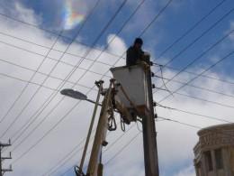 تصویر ۳کیلومتر شبکه فشار ضعیف هوایی با کابل خودنگهدار در خیابان حکیم شفایی اول بهینه سازی شد