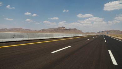 تصویر رئیس جمهور ۶۳ کیلومتر از آزادراه کنارگذر شرق اصفهان را افتتاح میکند./کنارگذر شرق، معضل ترافیک شمال اصفهان را حل میکند.