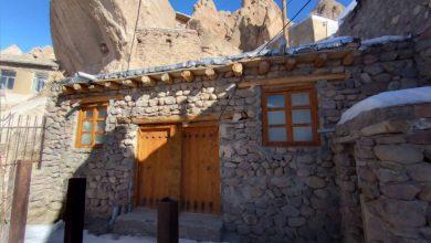 تصویر صدور ۲۰ مجوز مرمت خانه های سنگی روستای ملی کندوان