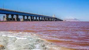تصویر سطح تراز دریاچه ارومیه ۶۰ سانتیمتر کاهش یافت