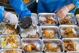 تصویر در ادامه طرح اطعام و احسان حسینی انجام شد؛